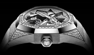 The luxury fake Audemars Piguet Royal Oak Concept 26227BC.ZZ.D011CR.01 watches are made from 18k white gold and diamonds.