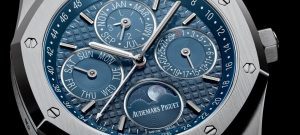 The 41 mm fake Audemars Piguet Royal Oak 26574ST.OO.1220ST.02 watches have blue dials.