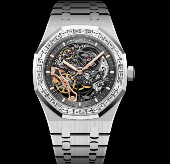 The timepiece has presented the brand's high level of craftsmanship.