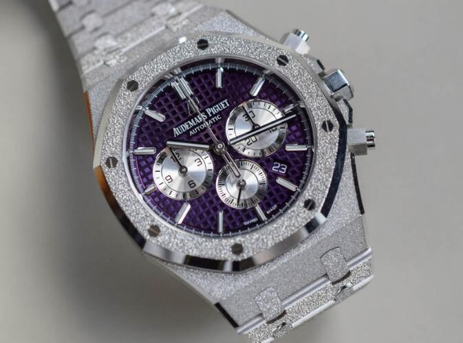 The Audemars Piguet Royal Oak is with high performance and charming appearance.
