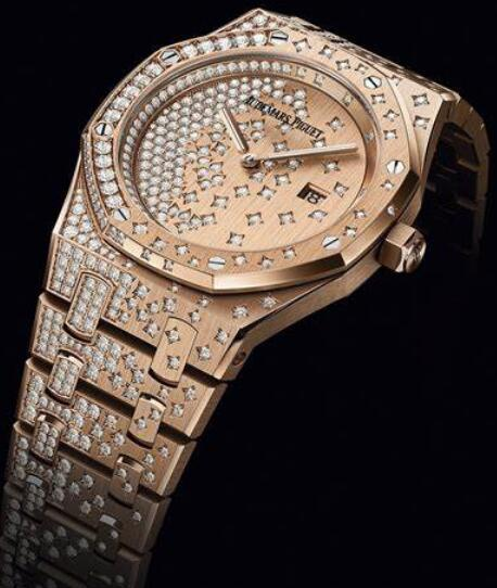 Swiss knock-off watches are skillfully fixed with diamonds.