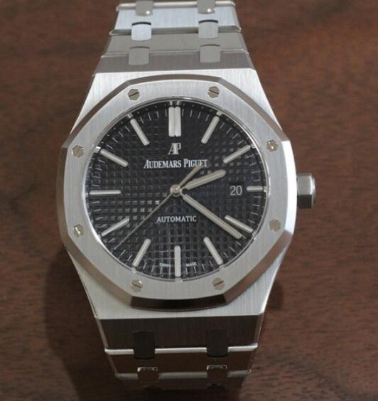 Audemars Piguet has been favored by numerous watch lovers with brilliant appearance.